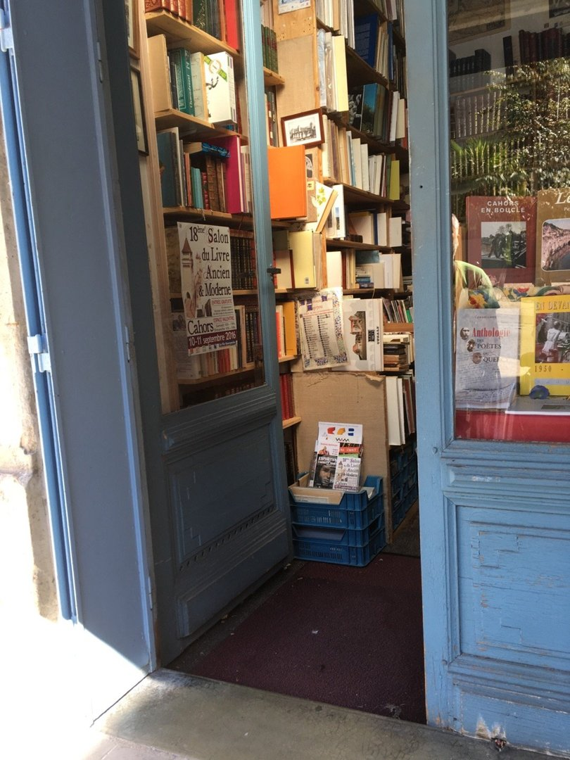 Foto vom 5. September 2016 09:36, Librairie Ancienne Rapaud, 17 Rue Clément Marot, 46000 Cahors, Frankreich