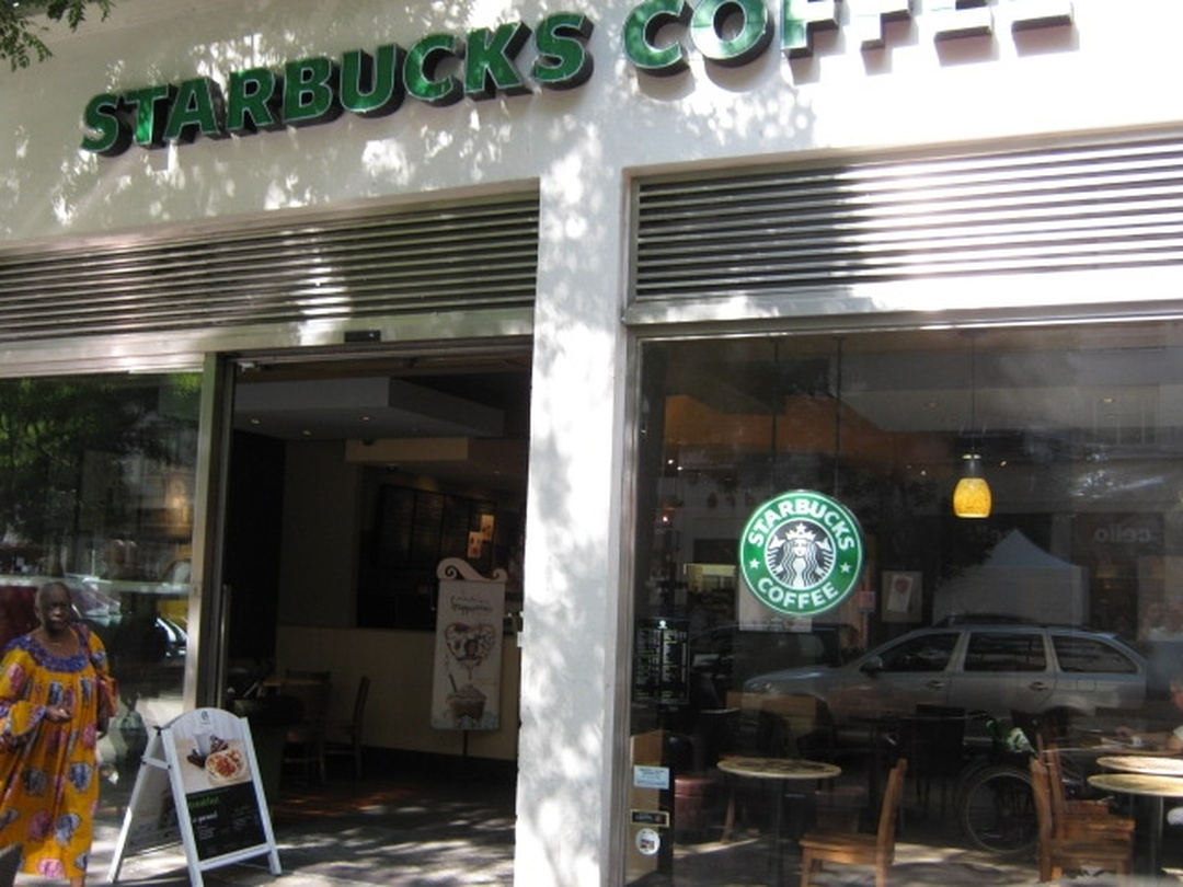 Photo of the February 5, 2016 6:53 PM, Starbucks 40 avenue H. Barbusse, 40 Avenue Henri Barbusse, 69100 Villeurbanne, France