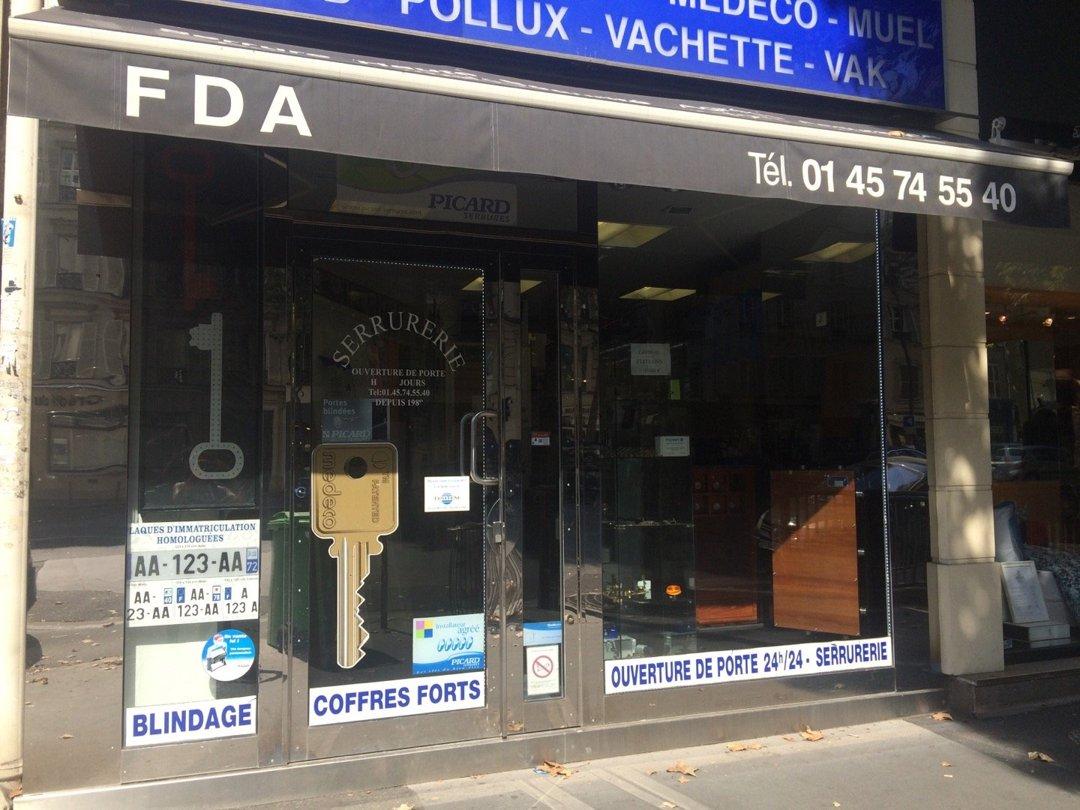 Photo of the August 26, 2016 1:23 PM, FDA SERRURERIE, 38 Avenue des Ternes, 75017 Paris, France