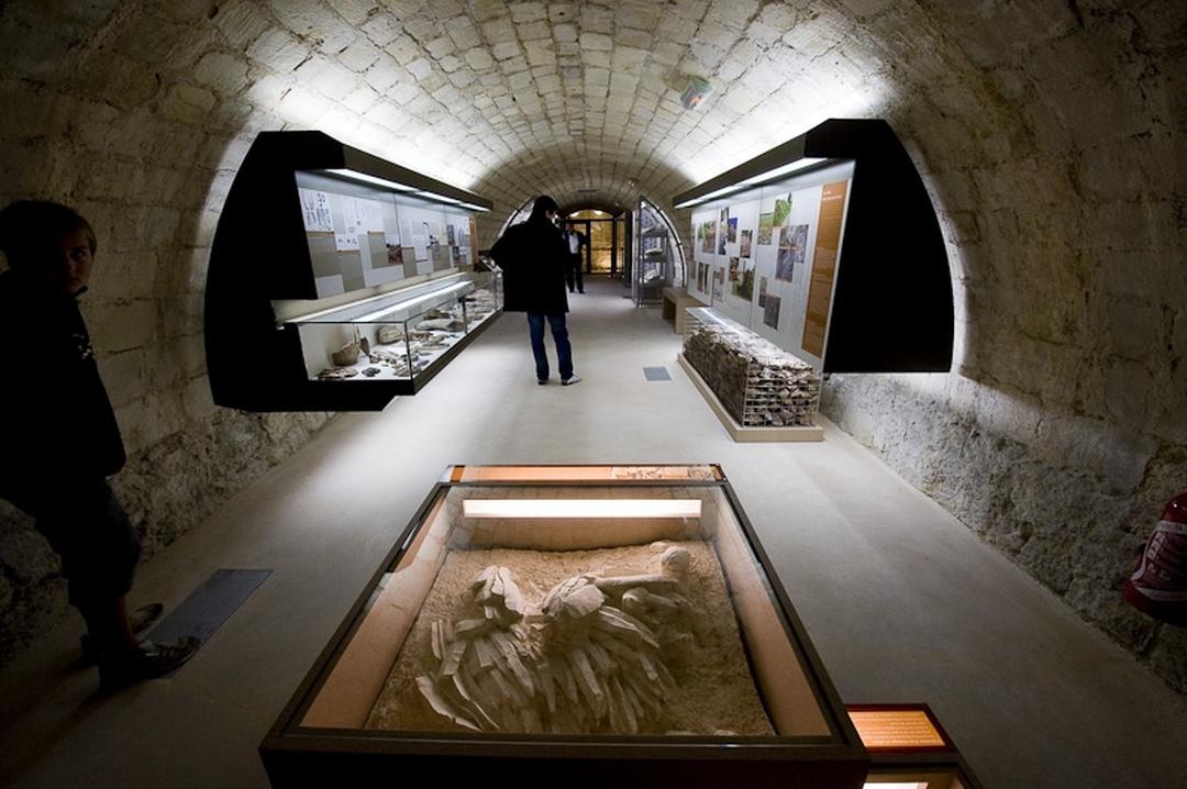 Foto del 5 de febrero de 2016 18:51, Museum of Prehistory of Grand Pressigny, Rue des Remparts, 37350 Le Grand-Pressigny, Francia