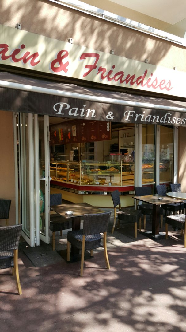 Photo du 26 août 2016 11:45, Pain & Friandises, 8 Rue de Bezons, 92400 Courbevoie, France