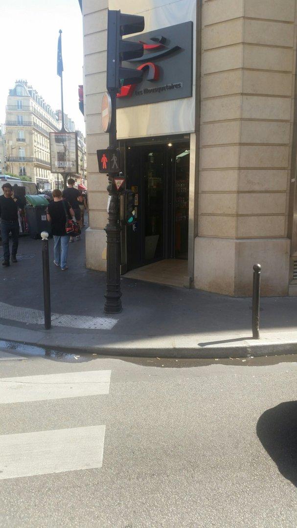 Foto vom 26. August 2016 11:53, Intermarché Express, 15 Rue du 4 Septembre, 75002 Paris, Frankreich
