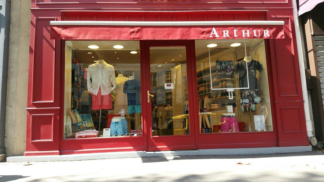 Photo of the August 26, 2016 12:36 PM, Boutique ARTHUR, 19 Rue Tronchet, 75008 Paris, France