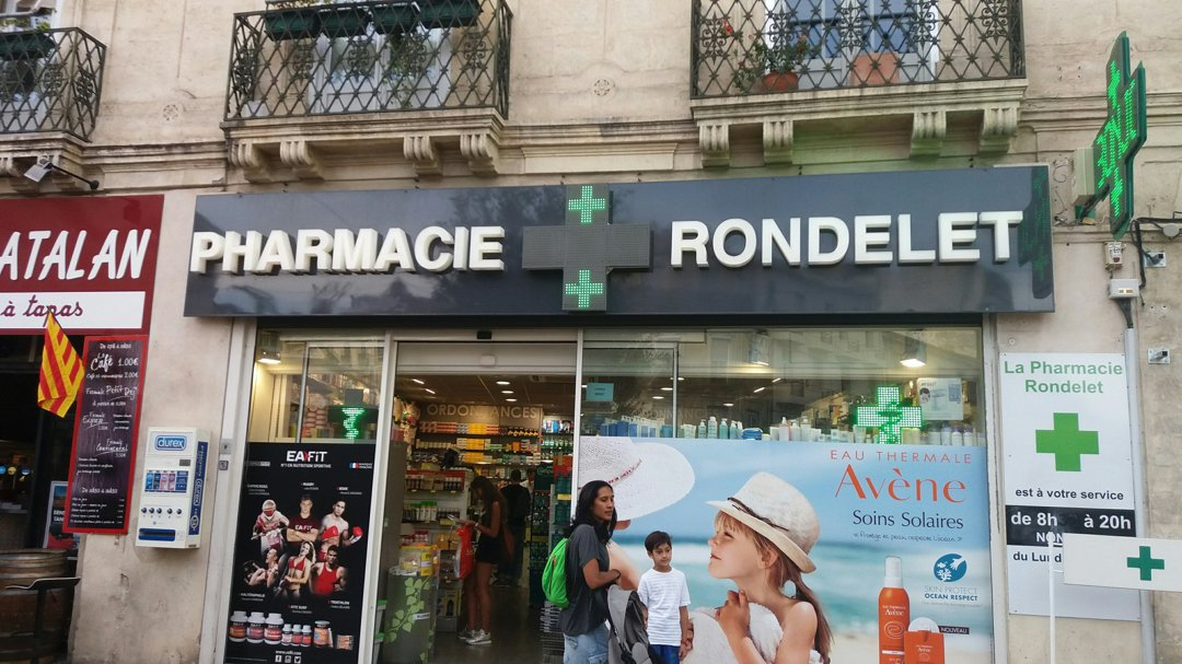 Foto vom 3. September 2016 16:39, Pharmacie Rondelet, 18 Place Saint-Denis, 34000 Montpellier, Frankreich
