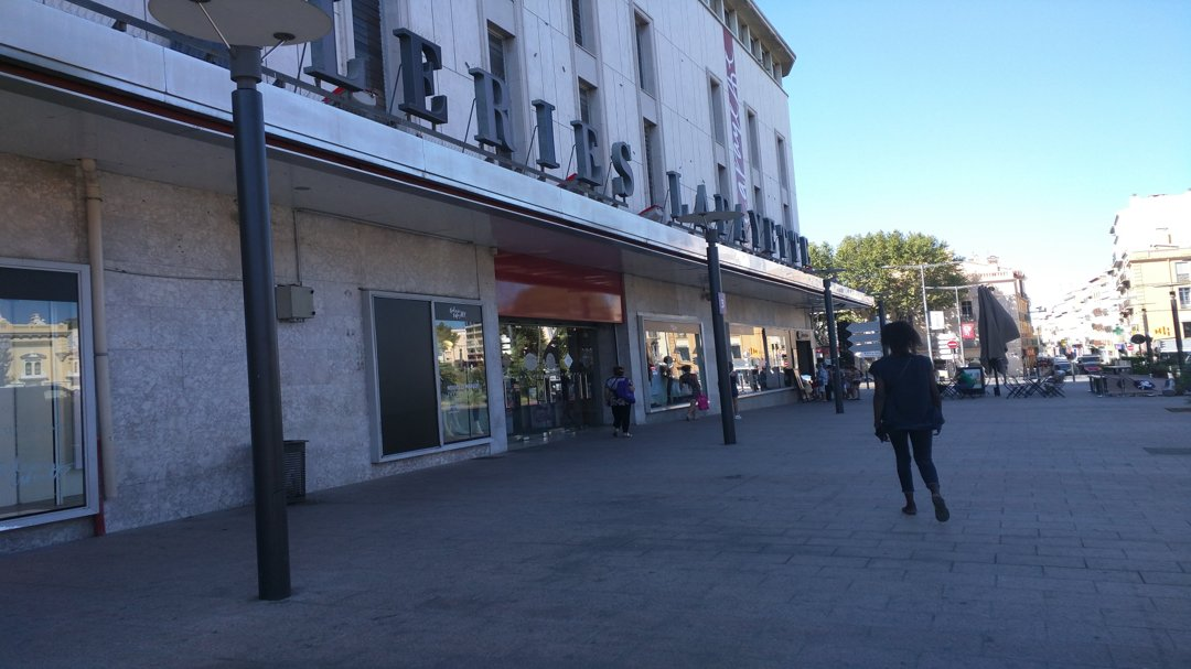 Photo of the September 7, 2016 2:06 PM, Watch Service Perpignan GL, 1 Place De La Résistance, Perpignan/Galeries Lafayette, 66004 Perpignan, France