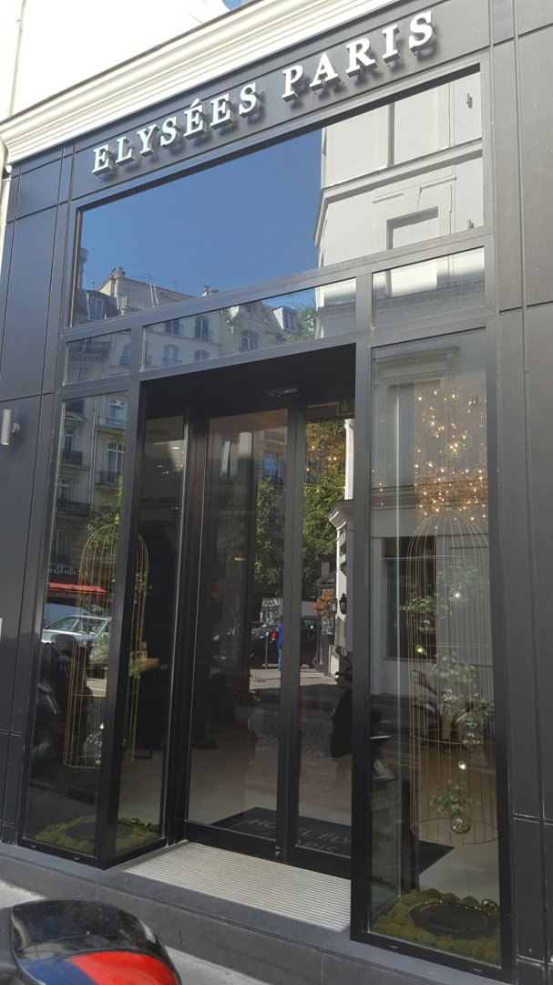 Photo of the September 9, 2016 12:44 PM, Hôtel Elysées Paris, 1 Rue Brey, 75017 Paris, France