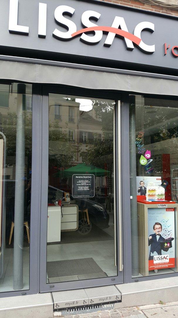 Foto del 26 de septiembre de 2016 12:54, Lissac l'Opticien Suresnes - Lunettes de vue, lunettes de soleil, lentilles de contact, 6 Place du Général Leclerc, 92150 Suresnes, Francia