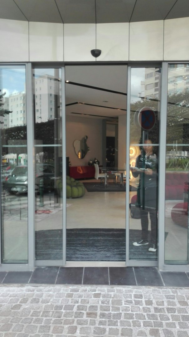 Photo du 26 septembre 2016 13:01, Roche Bobois, 39 Boulevard Henri Sellier, 92150 Suresnes, France