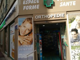 Photo du 26 septembre 2016 13:11, Pharmacie Jegou, 2 Rue du Mont Valérien, 92150 Suresnes, Francia
