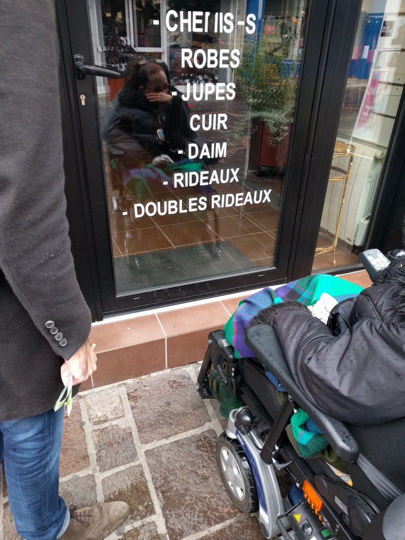 Foto del 13 de octubre de 2016 13:49, L'Aiguille Magique, 15 Rue du Général Leclerc, 94000 Créteil, Francia