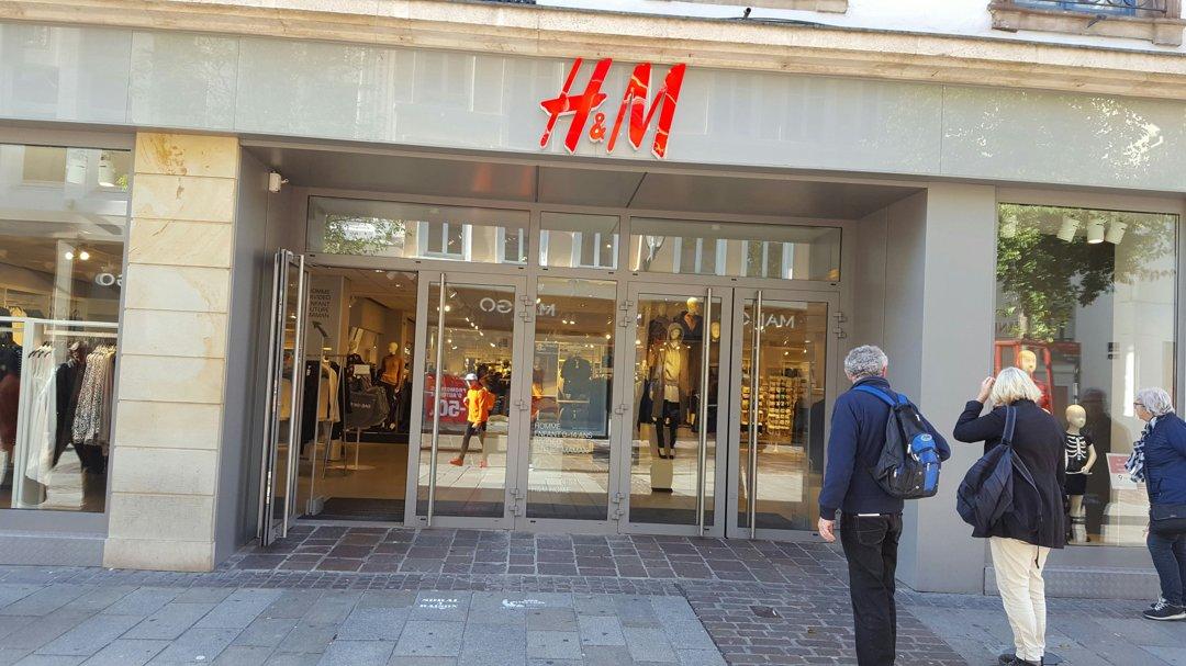Foto vom 18. Oktober 2016 09:39, H&M, 39 Rue du Sauvage, 68100 Mulhouse, Frankreich