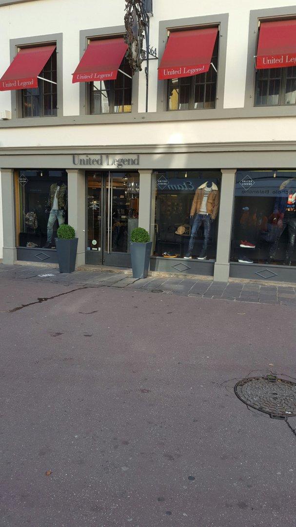 Foto del 18 de octubre de 2016 9:44, United Legend, 22 Rue des Maréchaux, 68100 Mulhouse, Francia