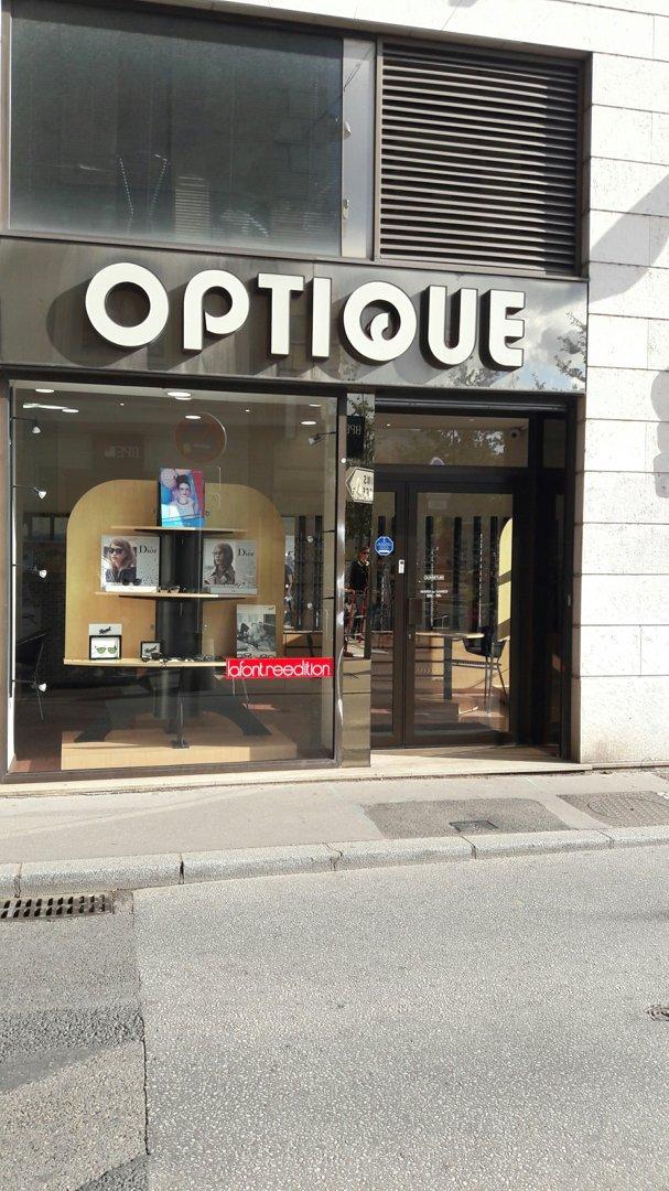Foto vom 18. Oktober 2016 13:26, Cerf Optique, 8 Place Bellecour, 69002 Lyon, Frankreich