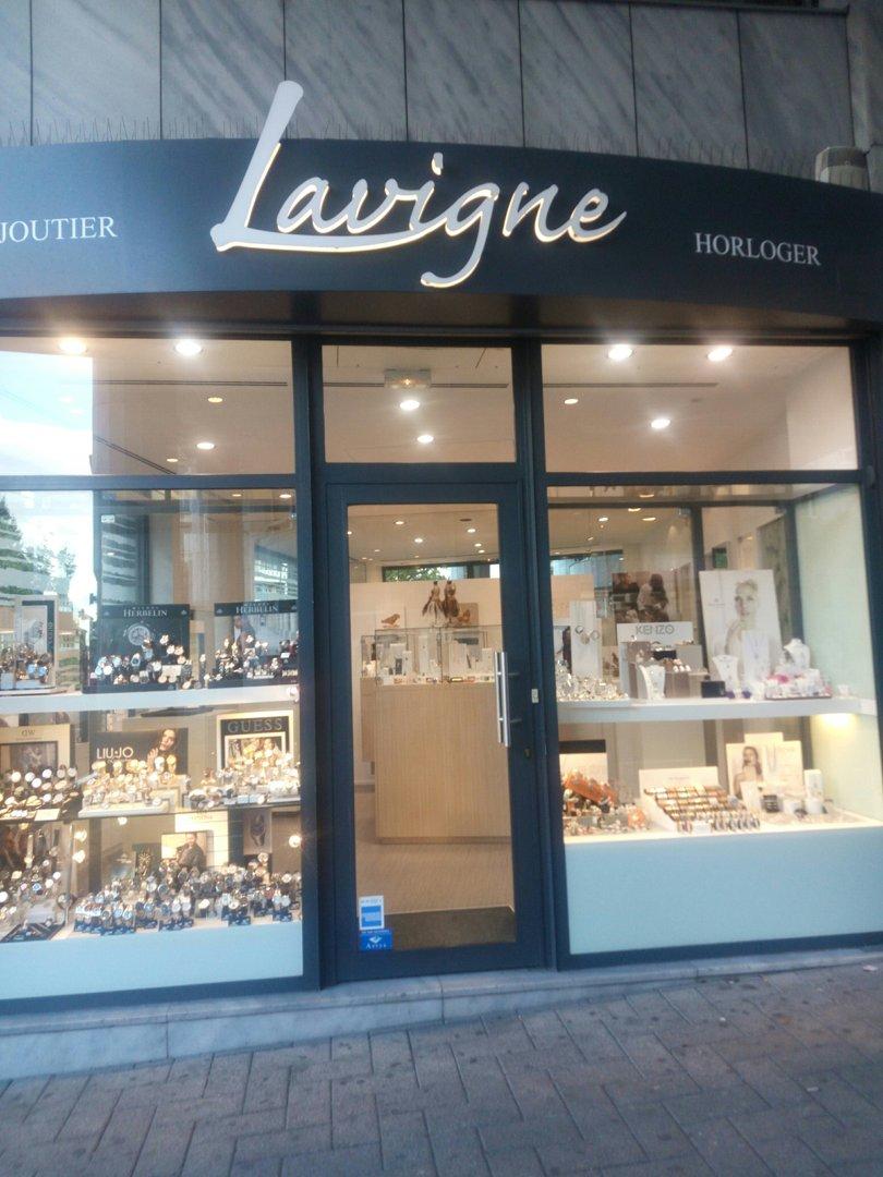 Foto vom 18. Oktober 2016 13:51, Bijouterie Lavigne, 180 Cours Emile Zola, 69100 Villeurbanne, Frankreich