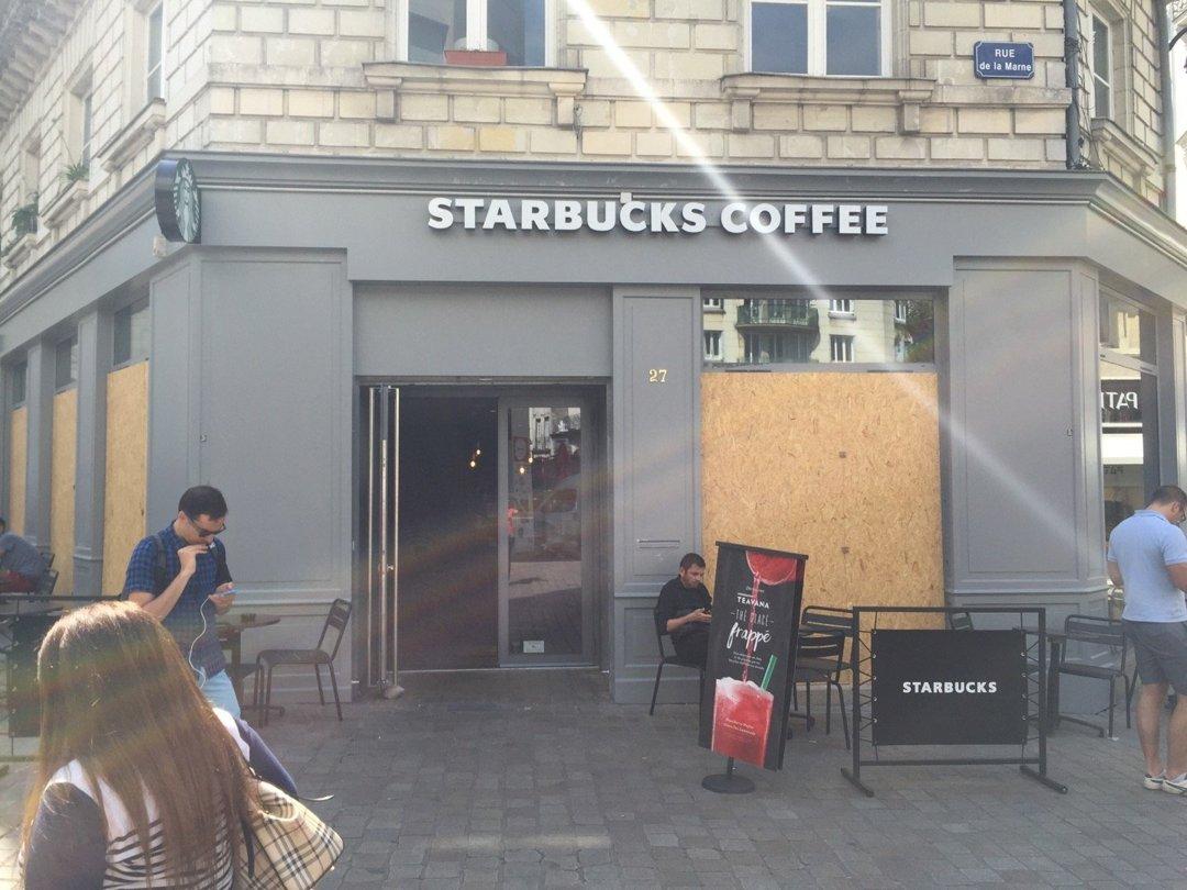 Foto del 20 de julio de 2016 10:01, Starbucks Coffee, 27 Rue de la Marne, 44000 Nantes, Francia