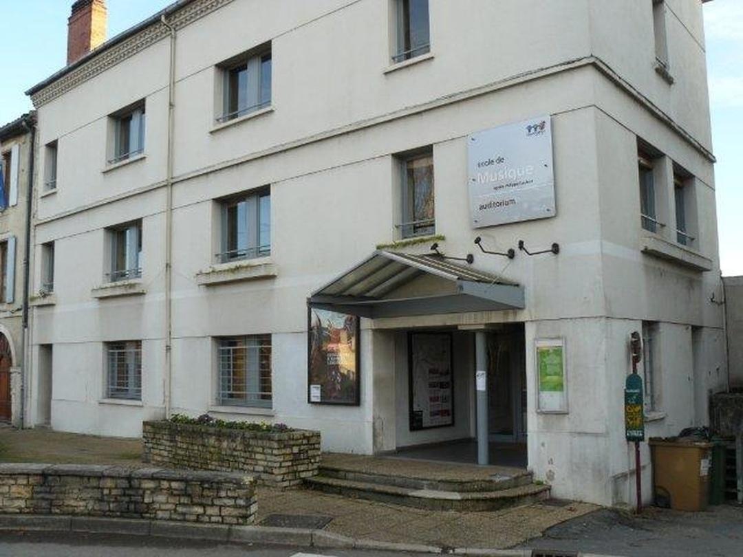 Foto del 5 de febrero de 2016 18:52, Ecole de Musique Agréée Philippe Gaubert du Grand Cahors, Place des Consuls, 46000 Cahors, Francia