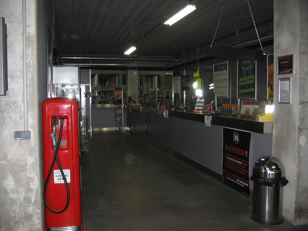Gas Station - Mannes Ivry , Ivry-sur-Seine