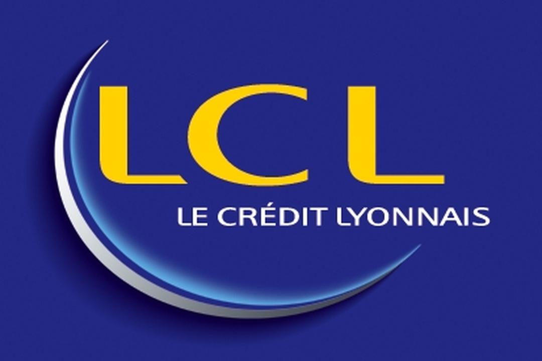 Photo of the February 5, 2016 6:50 PM, LCL Banque et Assurance, 1 Place de la Nation, 75011 Paris, France