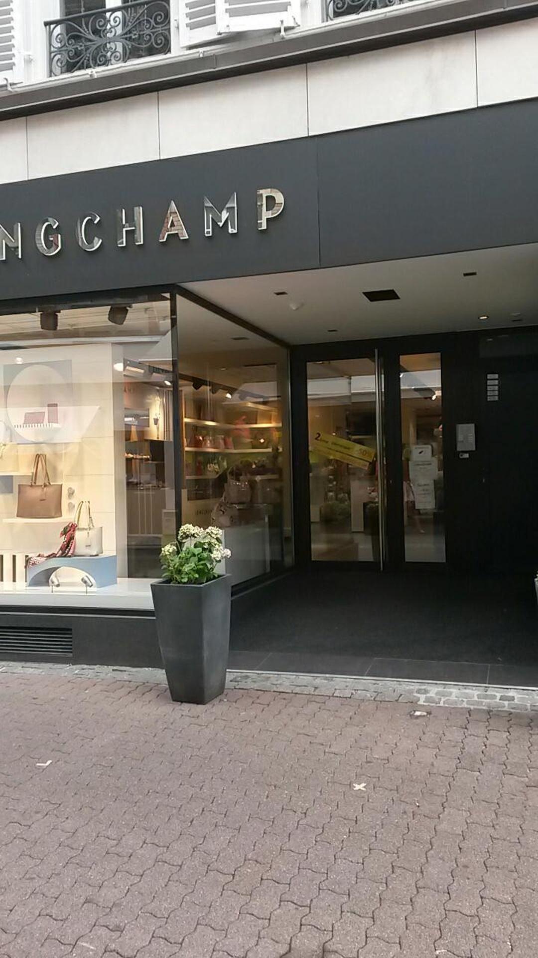Foto vom 5. Februar 2016 18:57, Longchamp, 24 Rue des Boulangers, 68100 Mulhouse, Frankreich