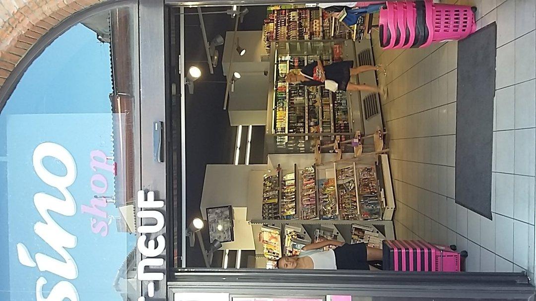 Foto vom 10. September 2016 13:38, Casino Shop Pont Neuf, 12 Place du Pont Neuf, 31000 Toulouse, Frankreich
