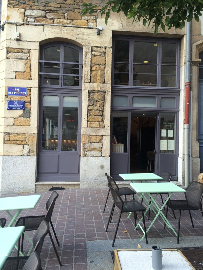 Foto vom 18. Oktober 2016 13:54, Cinq Mains, 12 Rue Mgr Lavarenne, 69005 Lyon, Frankreich