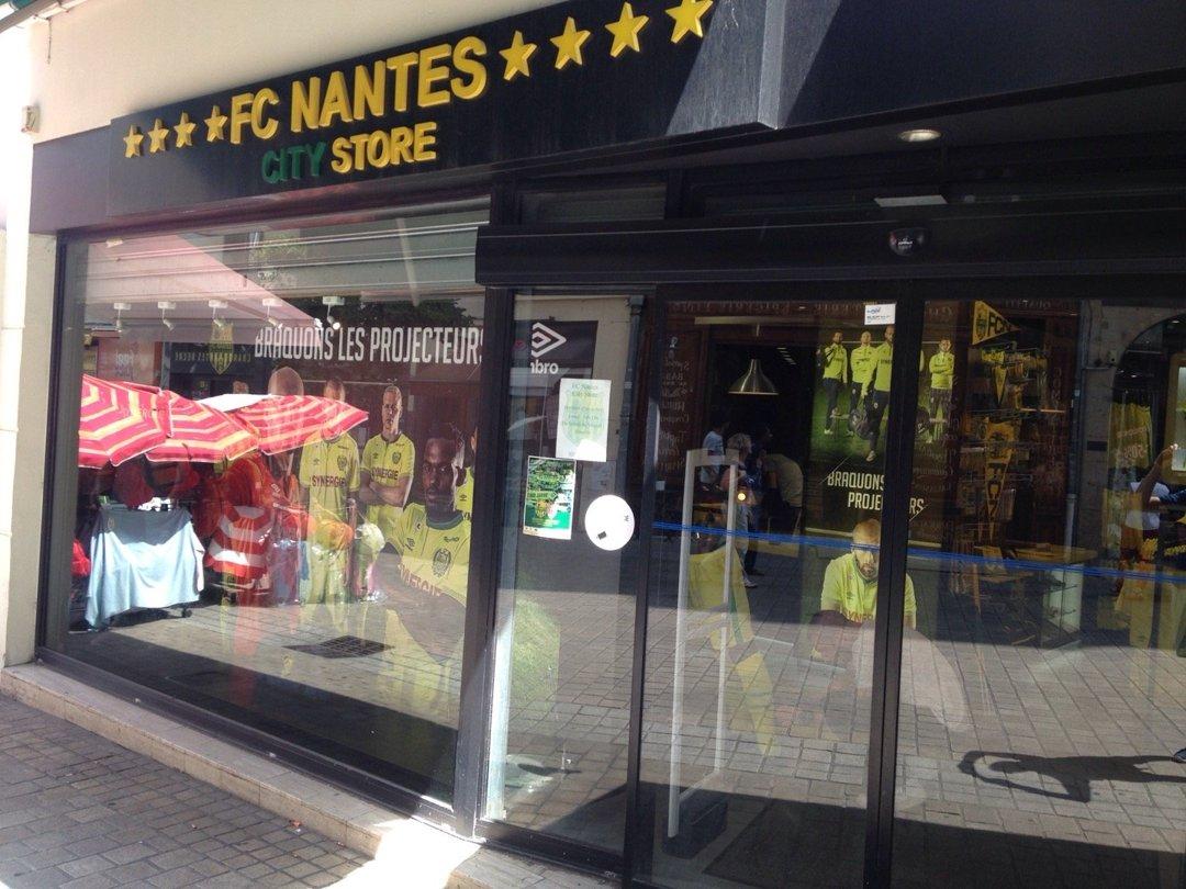 Foto del 20 de julio de 2016 10:22, Planète FCNA, 7 Rue des Halles, 44000 Nantes, Francia