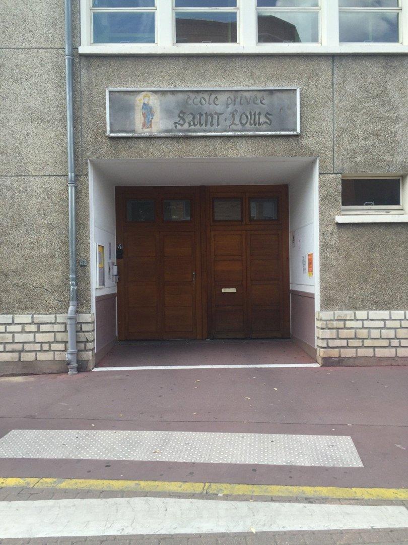 Foto vom 8. Juli 2016 13:50, School Saint-Louis, 4 Rue de Malleville, 95880 Enghien-les-Bains, Frankreich