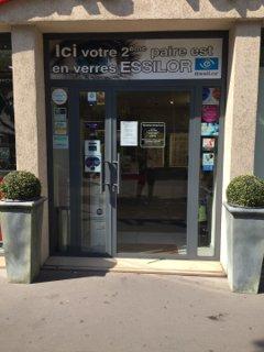 Foto del 26 de agosto de 2016 12:53, Lissac l'Opticien Courbevoie - Lunettes de vue, lunettes de soleil, lentilles de contact, 2-, 6 Place Charras, 92400 Courbevoie, Francia