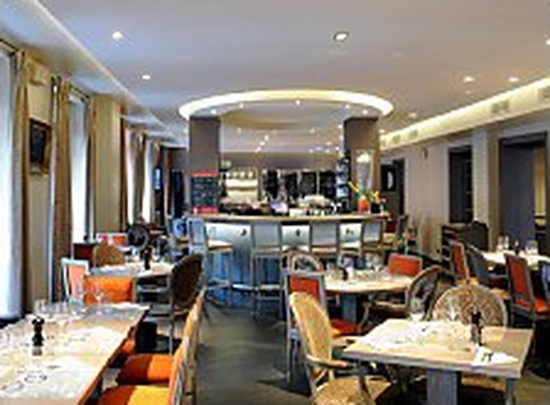 Photo of the February 5, 2016 6:52 PM, Restaurant La Maison de l'Aubrac, 37 Rue Marbeuf, 75008 Paris, France