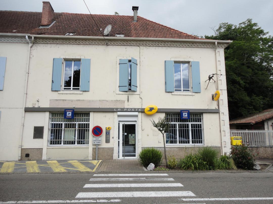 Foto del 5 de febrero de 2016 18:54, La Poste à ARAMITS, Place du Guirail, 64570 Aramits, France