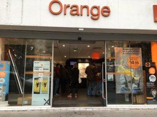 Photo du 13 octobre 2016 15:14, Boutique Orange Odéon - Paris 6, 126 Boulevard Saint-Germain, 75006 Paris, France