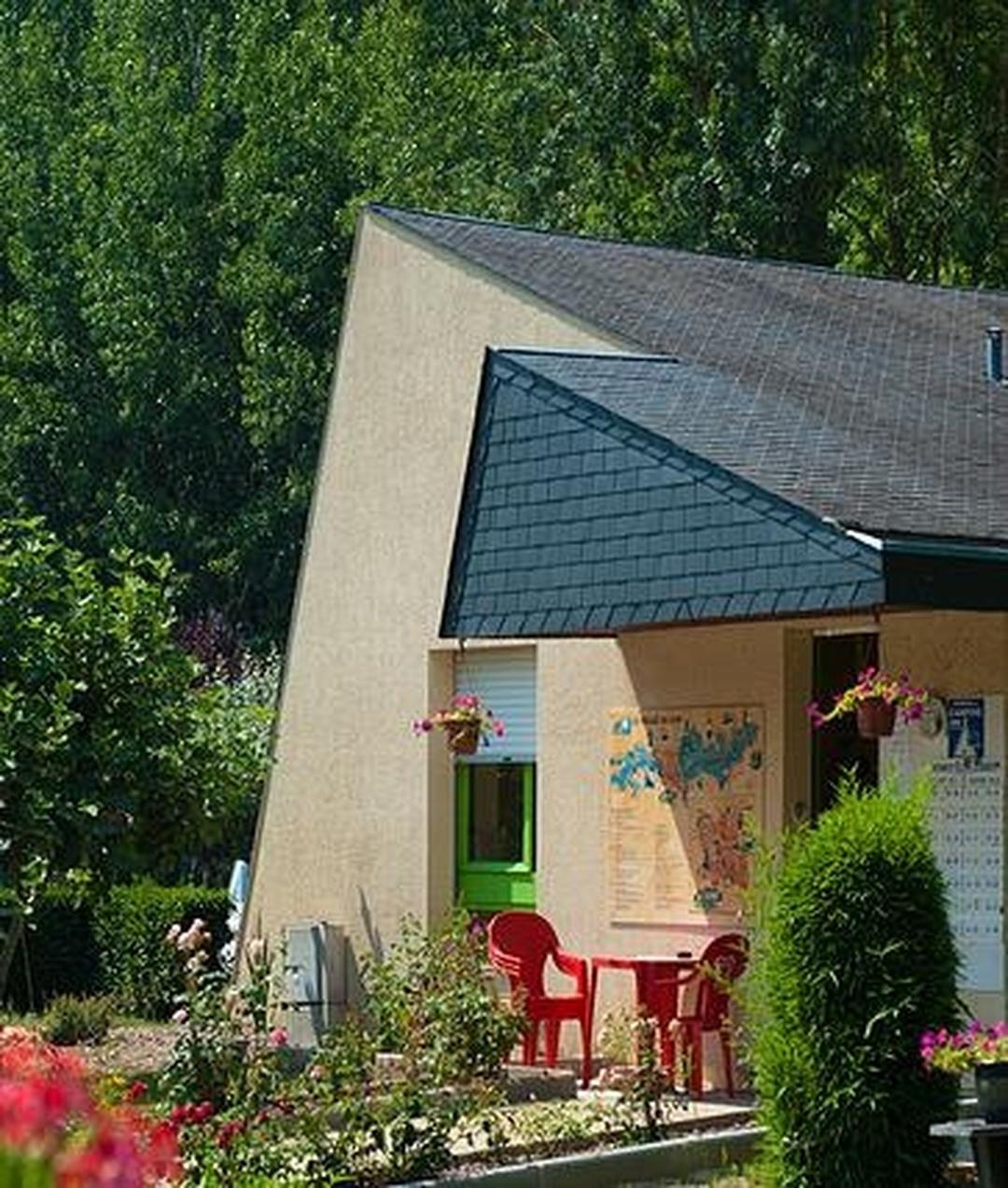 Campground - Camping Au Bord du Loir *** , Le Lude