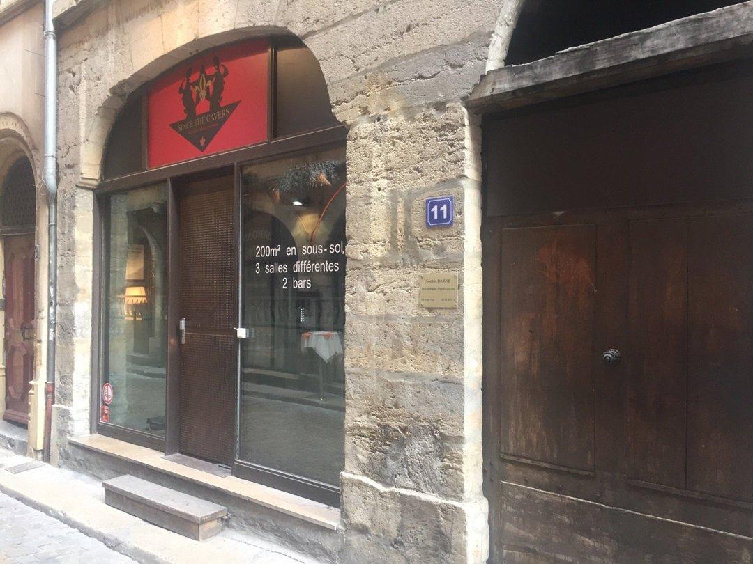 Foto del 6 de octubre de 2016 12:56, The cavern, 11 Rue des 3 Maries, 69005 Lyon 5e arrondissement, Francia