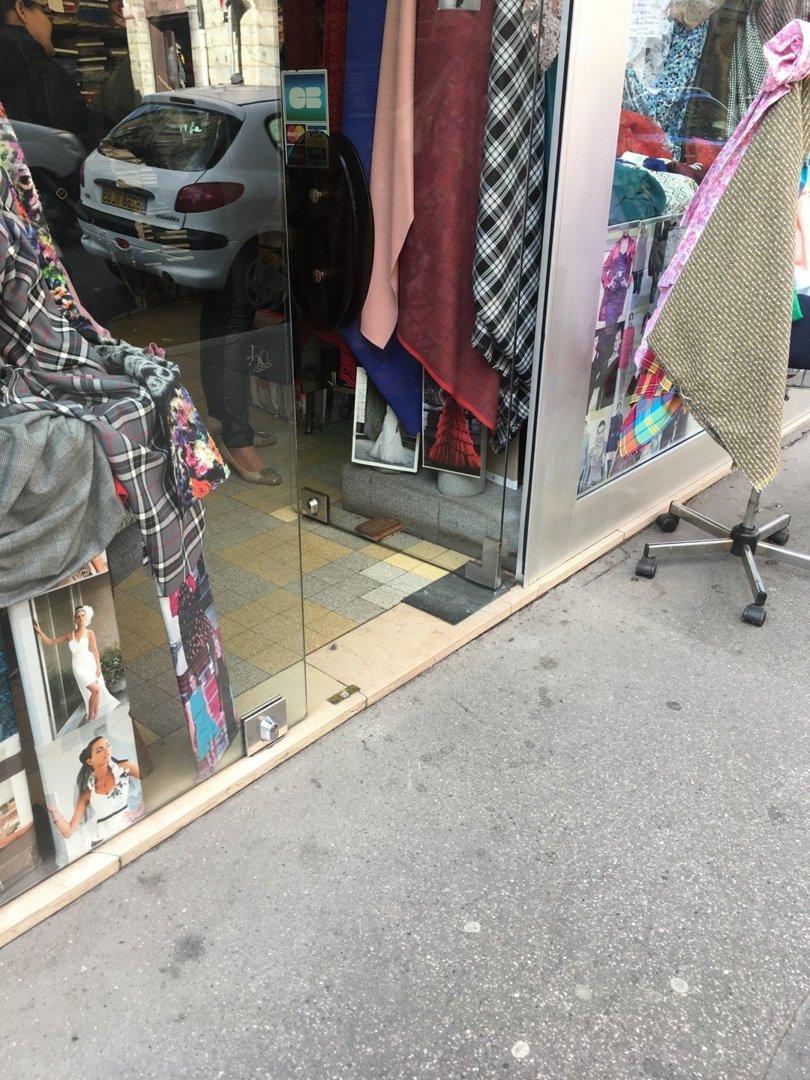 Foto del 18 de octubre de 2016 13:25, Lydo Tissus, 42 Rue du Président Edouard Herriot, 69001 Lyon, Francia