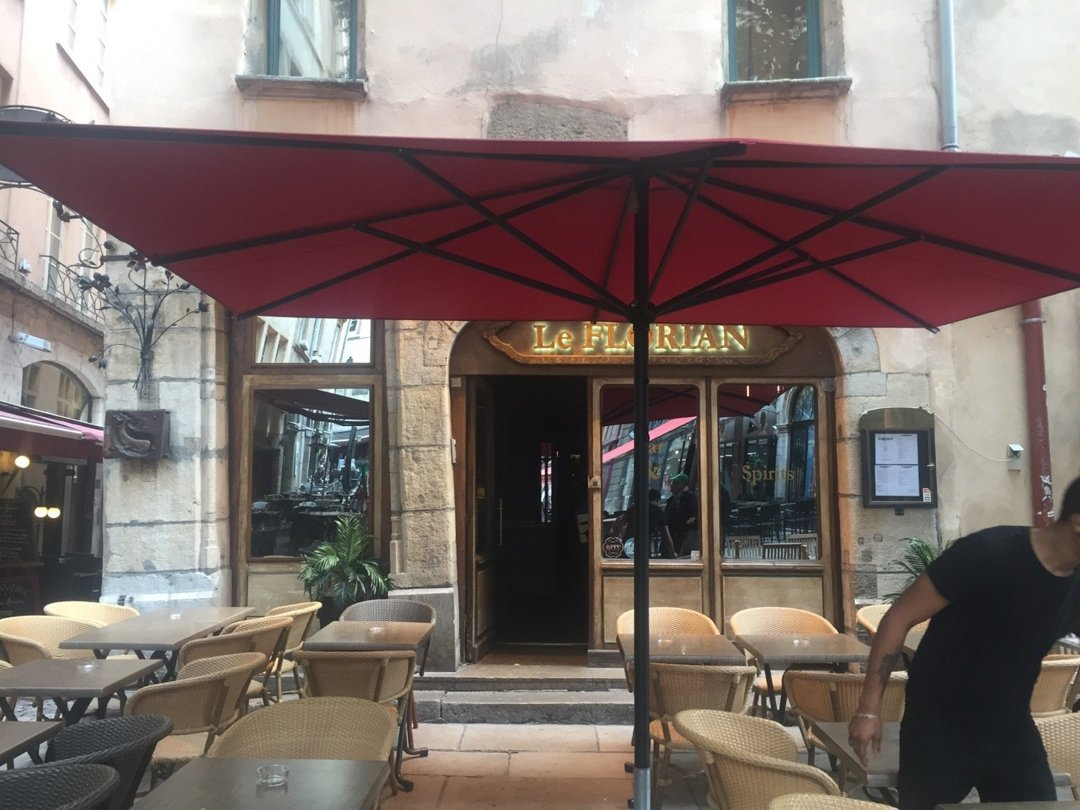 Photo du 6 octobre 2016 12:31, Bar Le Florian, Cocktails & Spirits, 4 Place de la Baleine, 69005 Lyon, France