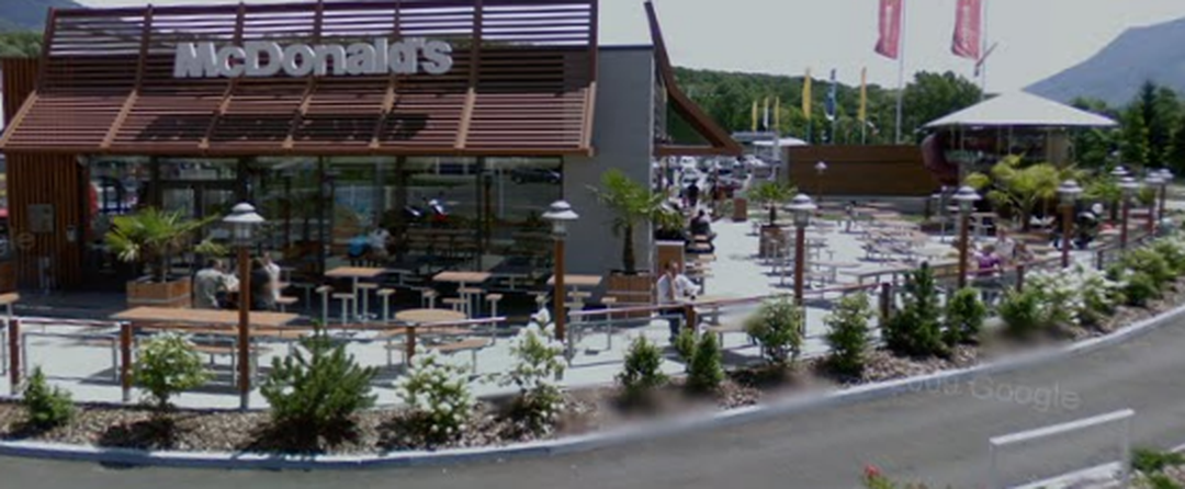 Fast Food Restaurant - McDonald's , Saint-Alban-Leysse