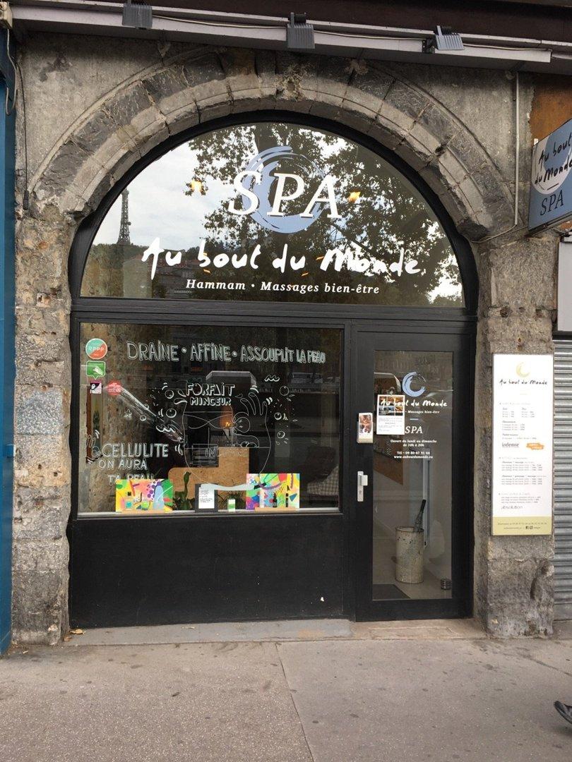 Photo of the October 6, 2016 12:43 PM, Spa - Au bout du Monde, 3 Quai de la Pêcherie, 69001 Lyon, France