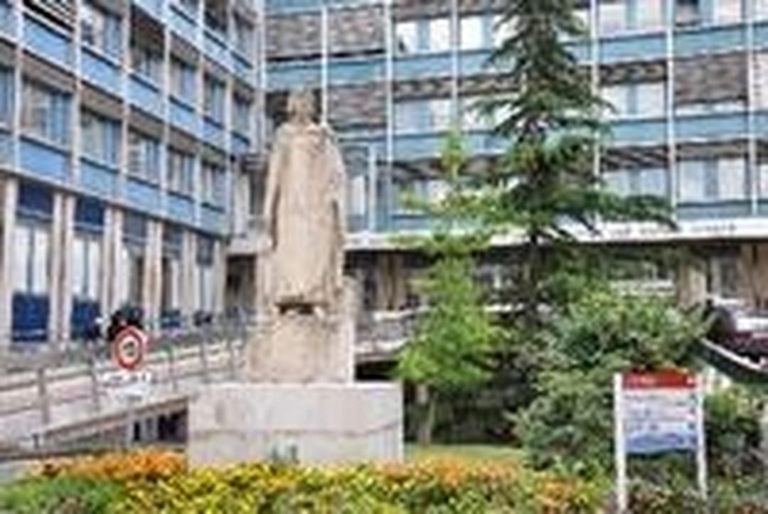 Hospital - Centre Hospitalier National d'Ophtalmologie des Quinze-Vingts , Paris