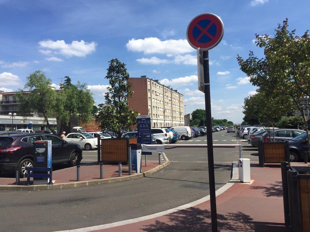 Photo du 6 juillet 2016 13:22, Parking Indigo, Place du Maréchal Foch, 95880 Enghien-les-Bains, France