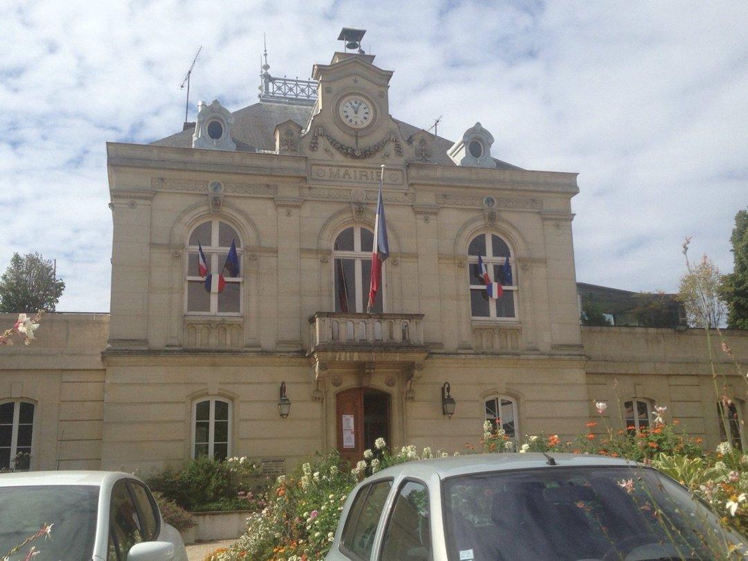 Foto vom 11. August 2016 14:39, Mairie de Fontenay-aux-Roses, 92260 Fontenay-aux-Roses, Frankreich