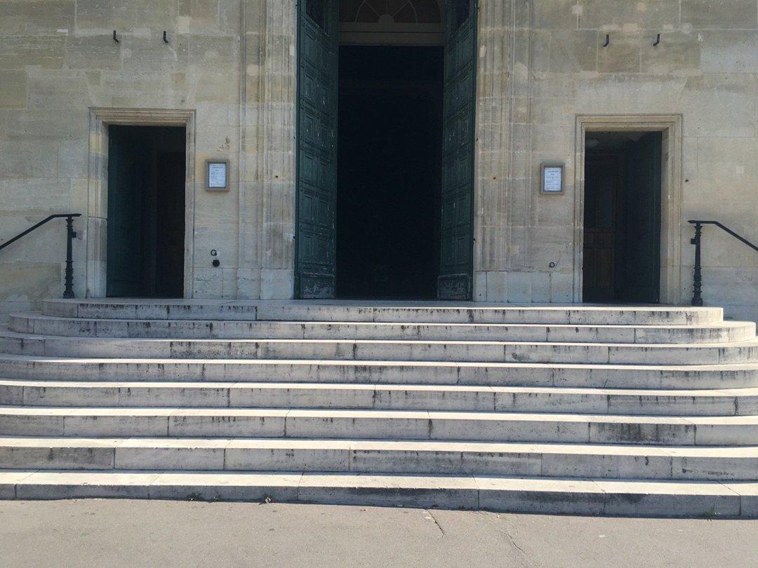Photo du 26 août 2016 08:25, Saint-Jean-Baptiste, 158 Avenue Charles de Gaulle, 92200 Neuilly-sur-Seine, France
