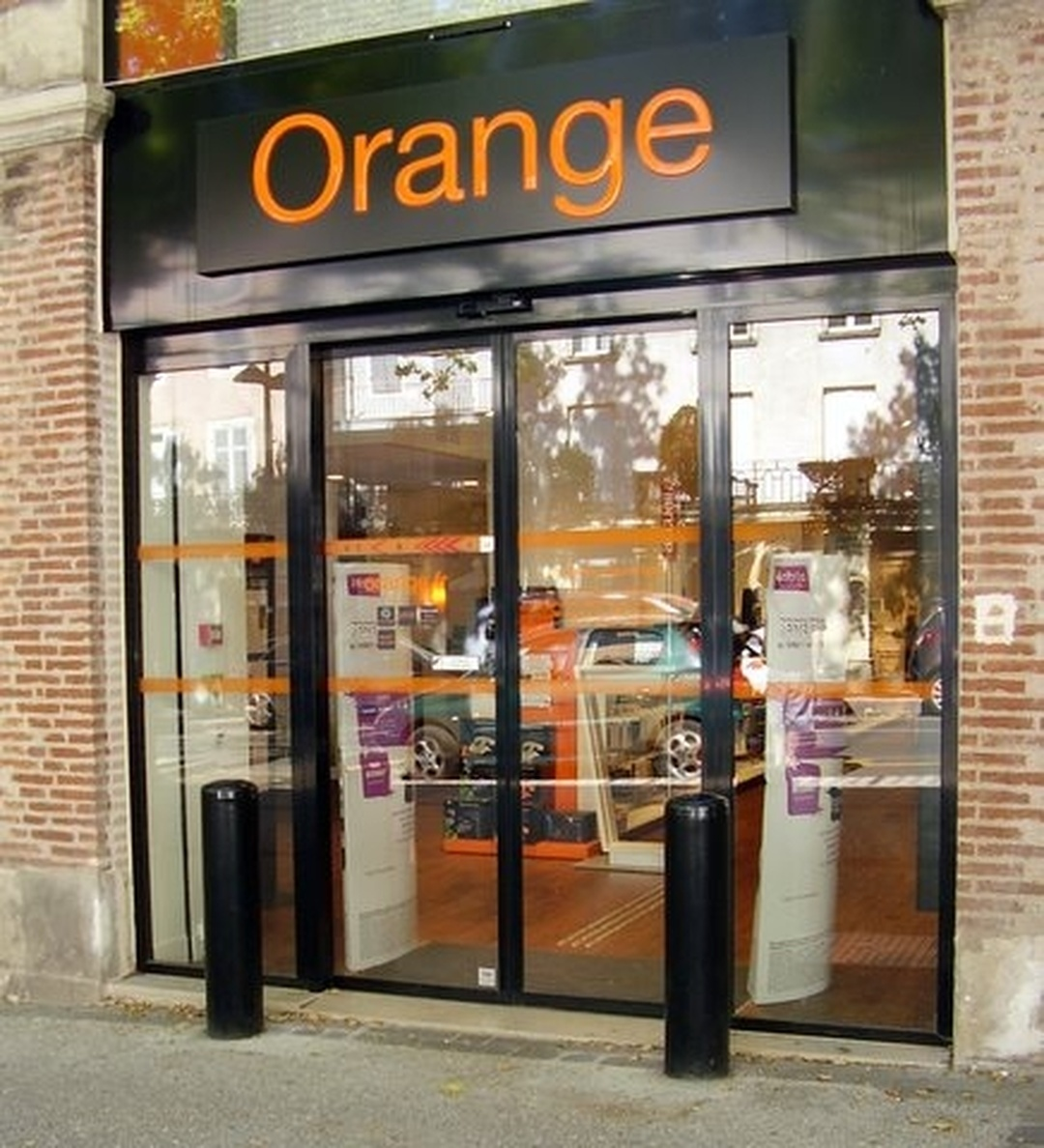 Photo du 5 février 2016 18:51, Boutique Orange, 18 Boulevard Léon Gambetta, 46000 Cahors, France