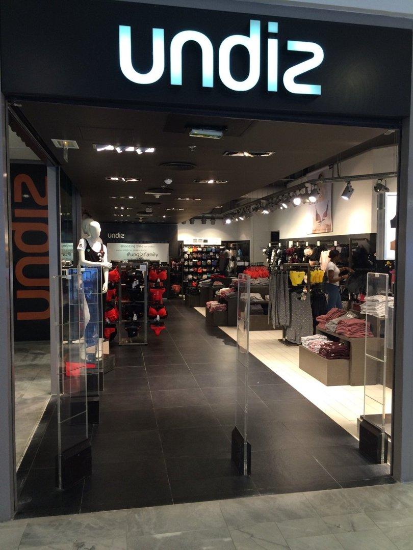 Foto del 26 de agosto de 2016 12:21, Undiz, centre commercial les halles, 1 Rue Pierre Lescot, 75001 Paris, Francia