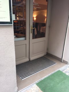 Foto vom 18. Oktober 2016 14:28, Le Petit Frère, 76 Rue Masséna, 69006 Lyon, Frankreich