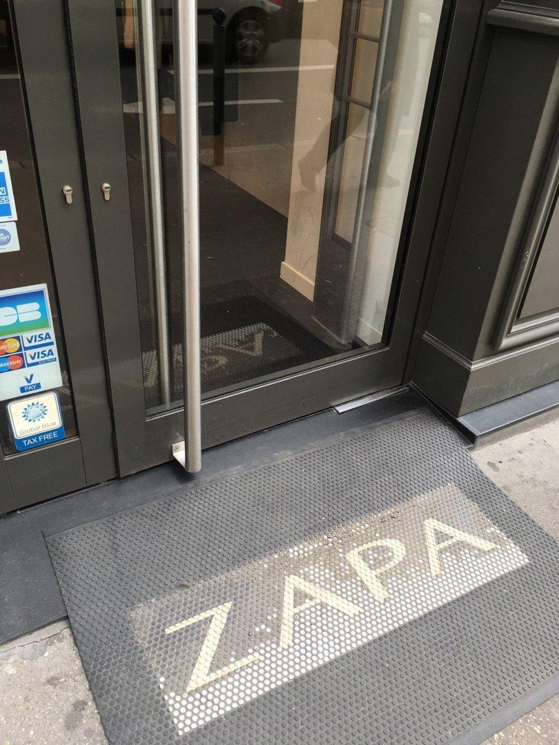 Foto del 18 de octubre de 2016 13:22, ZAPA, 35 Rue du Président Edouard Herriot, 69002 Lyon, Francia