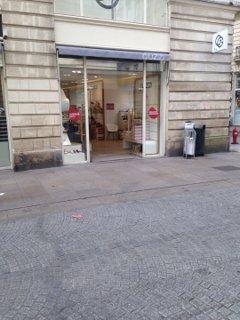 Foto vom 20. Juli 2016 08:15, Guzzi, 13 Rue d'Orléans, 44000 Nantes, Francia
