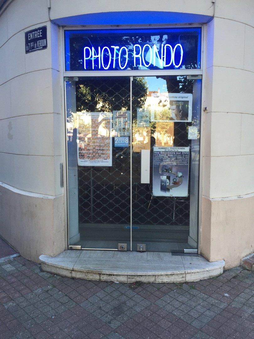 Photo of the August 23, 2016 6:49 AM, Photo Rondo, 7 Place de Verdun, 95880 Enghien-les-Bains, France