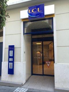 Photo of the July 7, 2016 7:56 AM, LCL Banque et Assurance, 24 Rue du Général de Gaulle, 95880 Enghien-les-Bains, France
