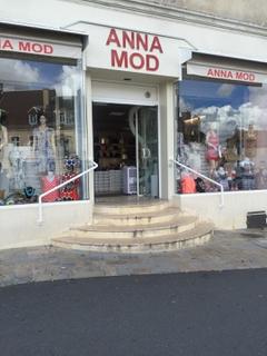 Photo of the August 9, 2017 12:50 PM, Anna Mod, 16 Place du Marché, 36400 La Châtre, France