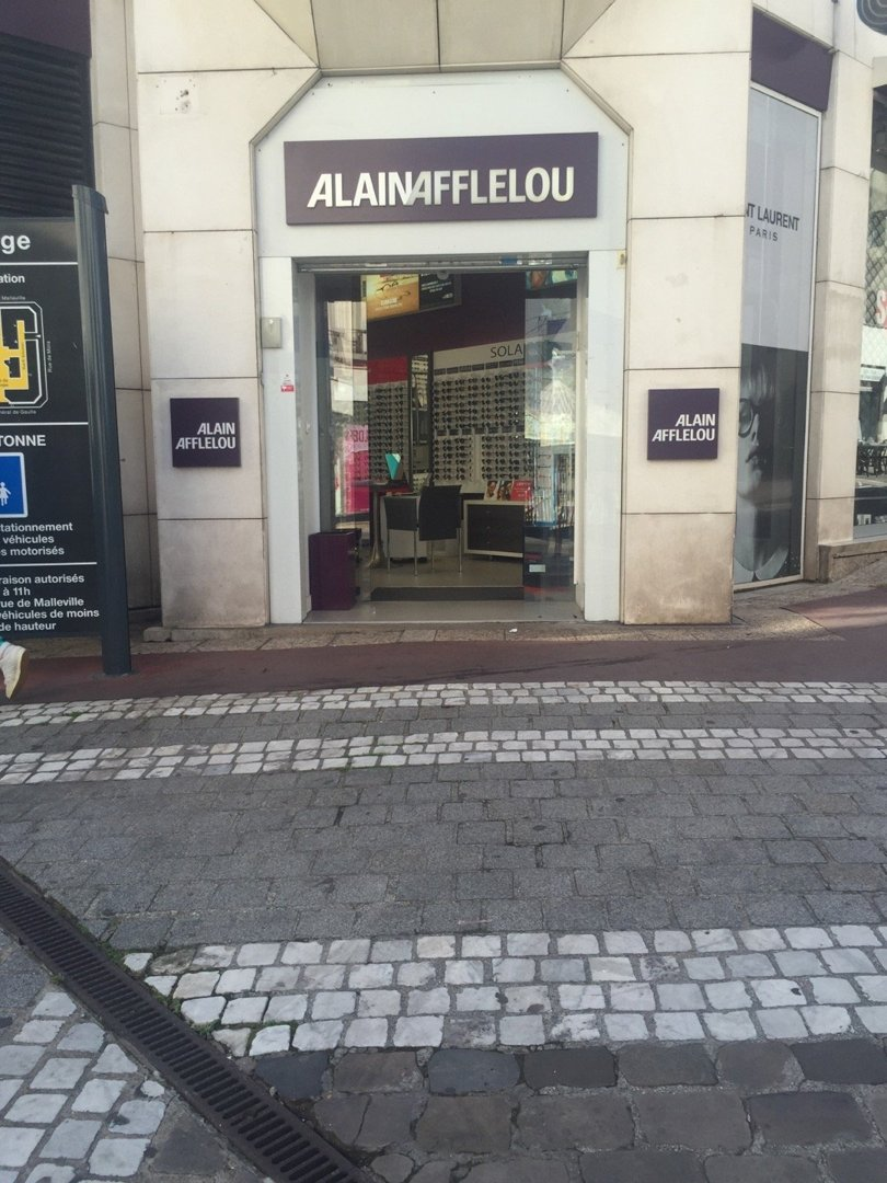 Foto vom 18. Juli 2016 08:35, Alain Afflelou, 35 Rue du Général de Gaulle, 95880 Enghien-les-Bains, Frankreich